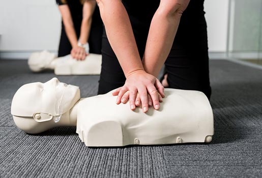 provide cpr course